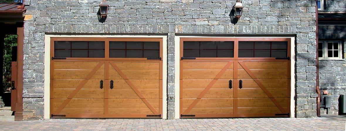 Гаражные секционные ворота в кантри-стиле