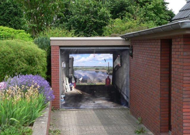 Ворота для гаража с дизайном пейзаж